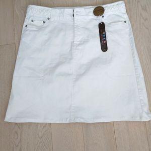 "White denim skirt 20"" waist"